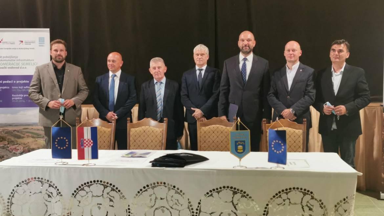 """Potpisivanje ugovora – """"Projekt poboljšanja vodokomunalne infrastrukture aglomeracije Semeljci"""""""